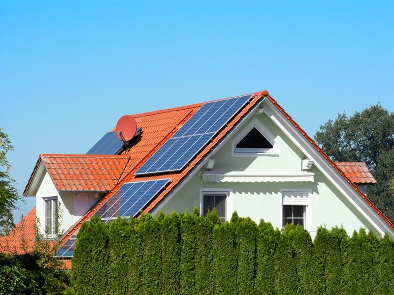 Photovoltaïque : In Sun We Trust s'engage pour éviter les arnaques - Batiweb