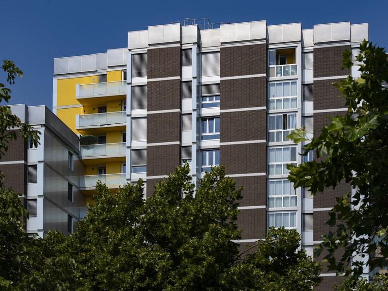 Des menuiseries performantes pour des logements aux pieds du périphérique parisien - Batiweb