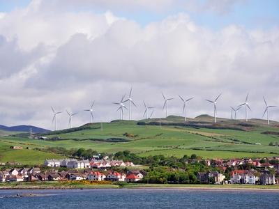 EDF fournira 60 MW d'énergie renouvelable à Tesco Batiweb