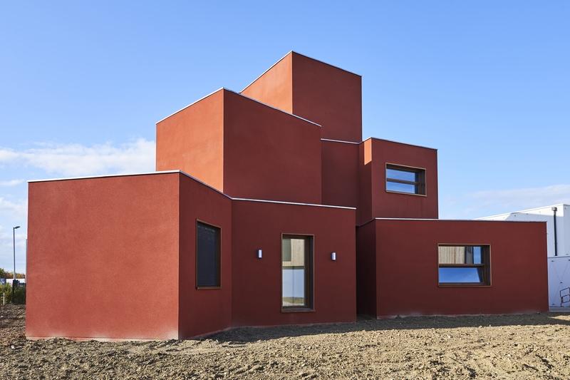 Des maisons qui représentent les 5 continents
