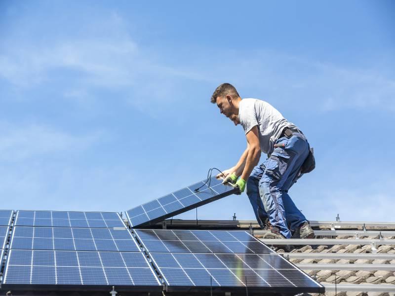 Appel d'offre pour le solaire sur bâtiment : 306 entreprises retenues - Batiweb