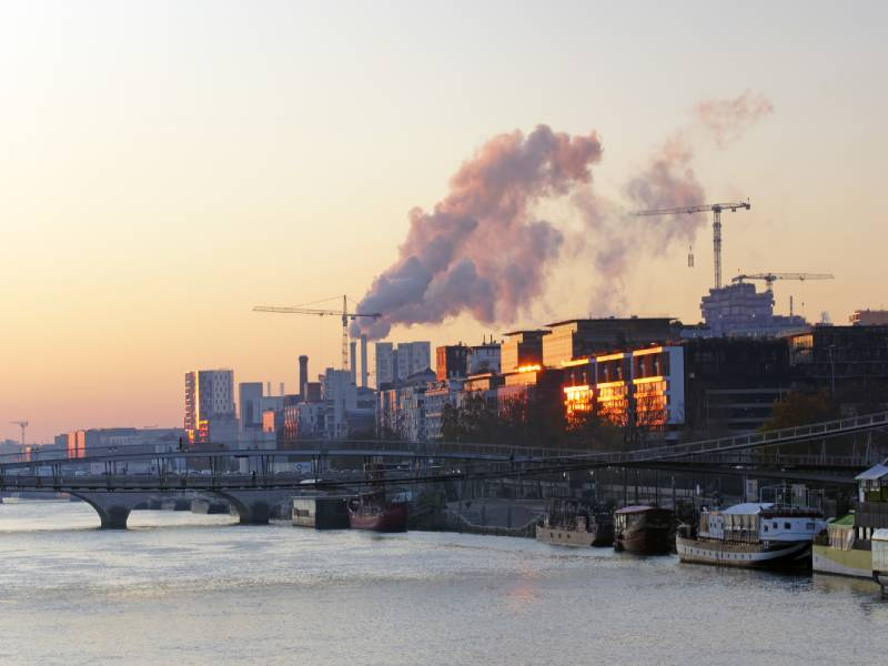 Pollution de la Seine : une filiale de Vinci condamnée à 50 000 € d'amende - Batiweb