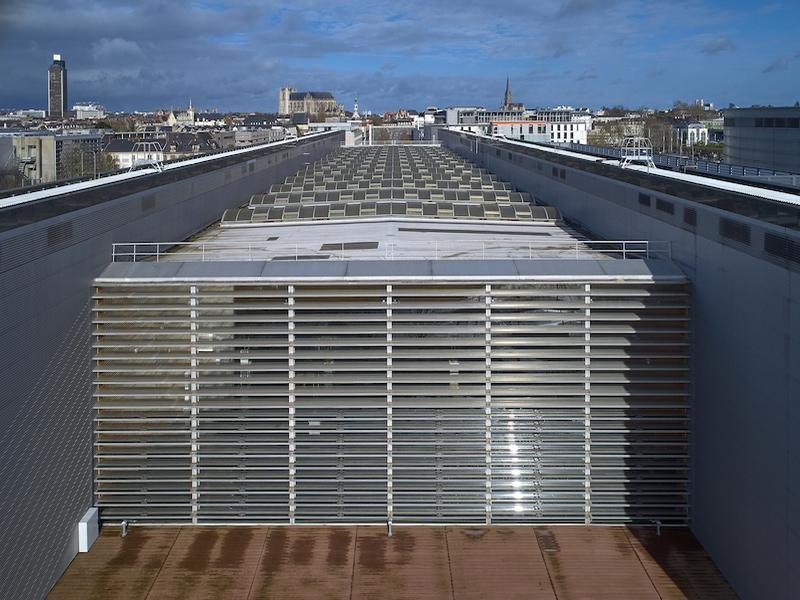 Nantes : des films photovoltaïques sur les brise-soleil de la Cité des Congrès - Batiweb