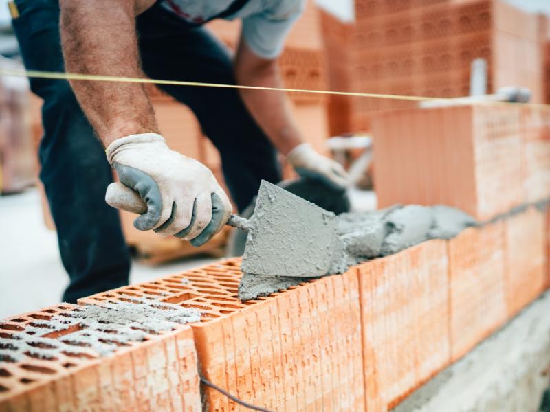 Artisanat du bâtiment: chute inédite de -24 % de l'activité au T2 2020 - Batiweb