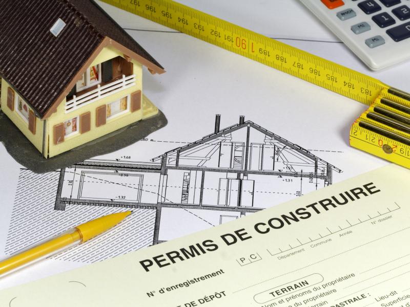 Construction: la difficile reprise des permis de construire se confirme - Batiweb