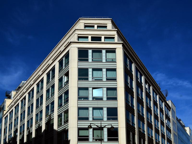 Le gouvernement veut accélérer la transformation de bureaux en logements - Batiweb