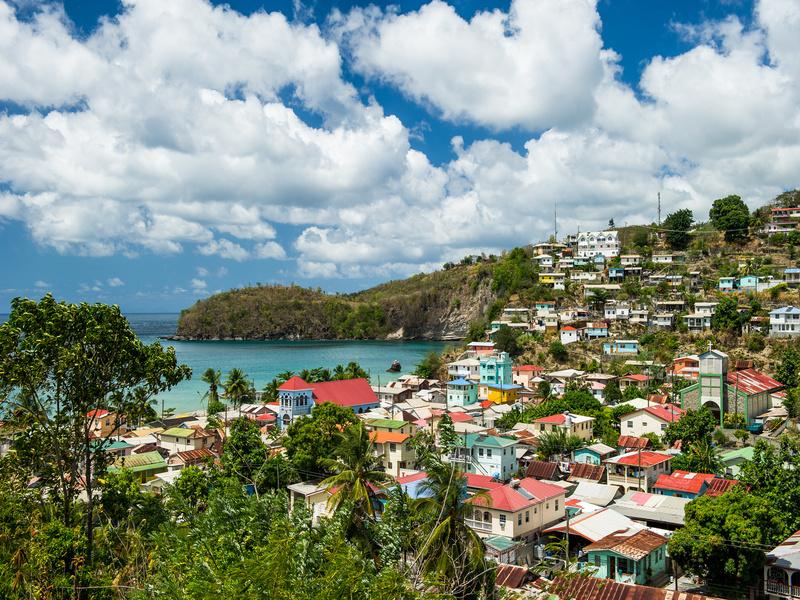Plan Logement en Outre-Mer: 8 100 logements construits ou rénovés en 2020 - Batiweb