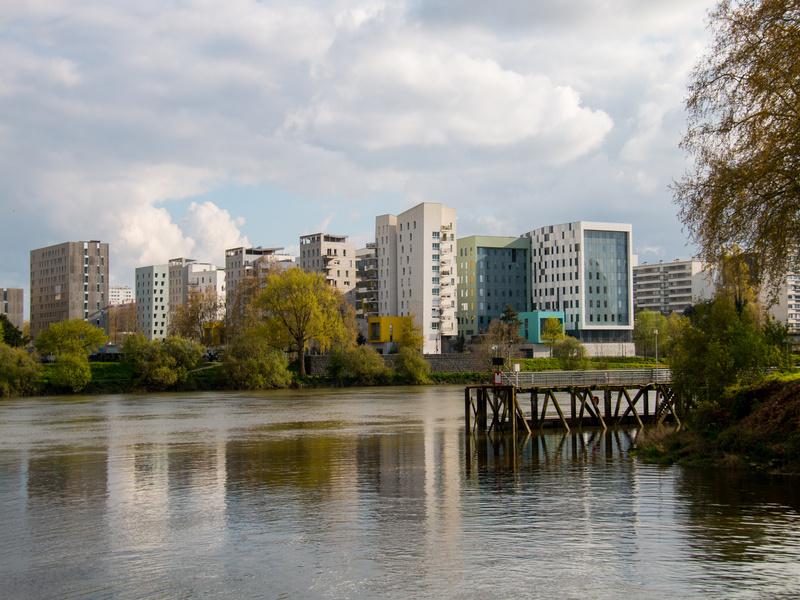 Le marché des bureaux plus résilient en régions - Batiweb