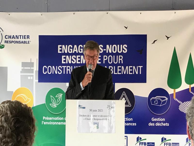 Huit chantiers signent la charte « Chantier responsable » au siège de la FFB Île-de-France - Batiweb