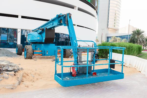 Décarbonation des chantiers : les véhicules et autres engins donnent du fil à retordre - Batiweb
