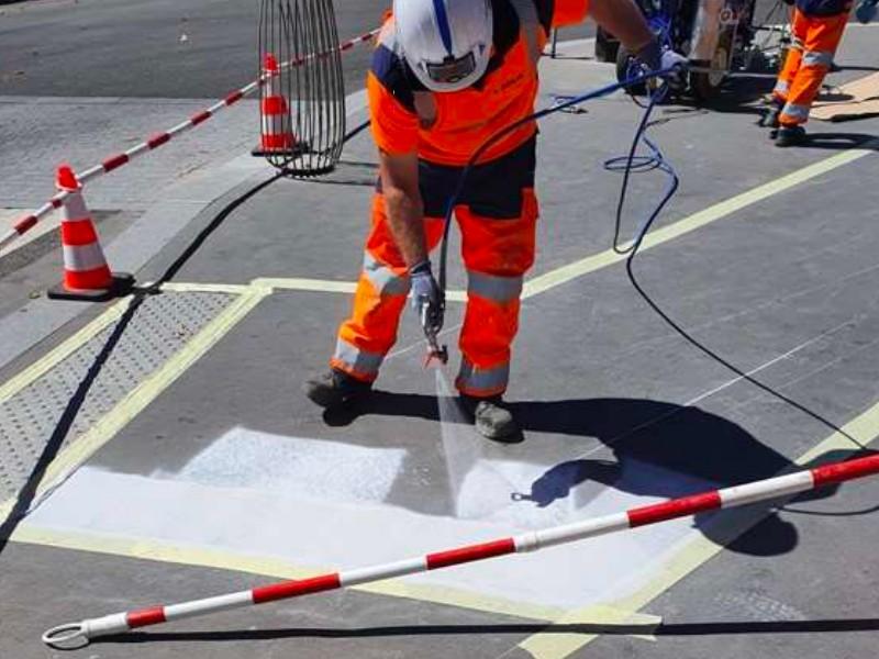 La métropole de Lyon teste une peinture anti-chaleur pour rafraîchir les espaces publics - Batiweb