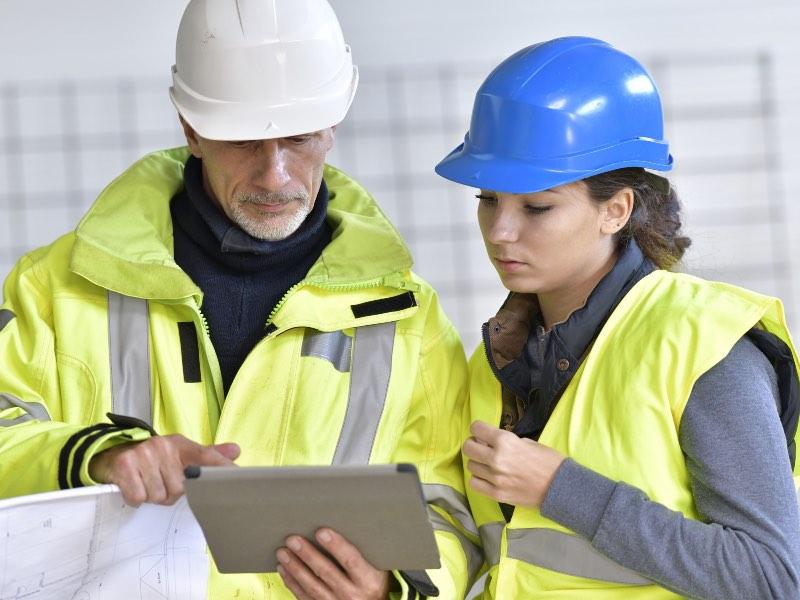 La FFB et l'E2C favorisent l'insertion des jeunes sans qualification dans le bâtiment - Batiweb