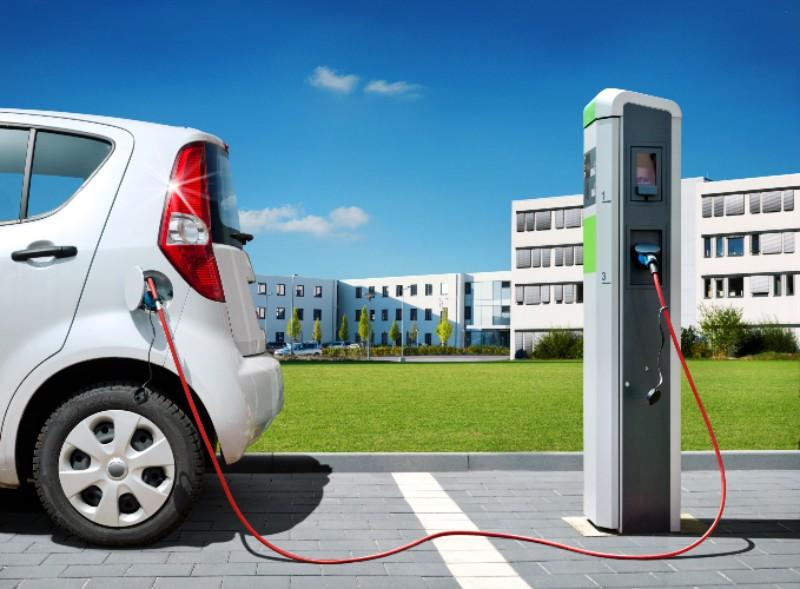 L'installation de bornes de recharge électrique s'accélère - Batiweb