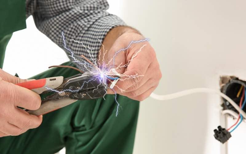 L'OPPBTP renforce la prévention au risque électrique - Batiweb