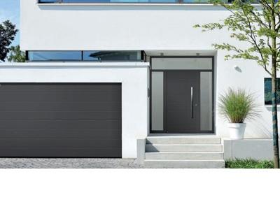 Les portes de garage et portes d'entrée au design assorti Batiweb