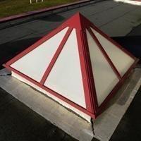 Pyratec : lanterneau pyramide d'éclairement zénithal Batiweb