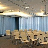 Plafonds acoustiques en laine de roche Rockfon Ekla® Bas