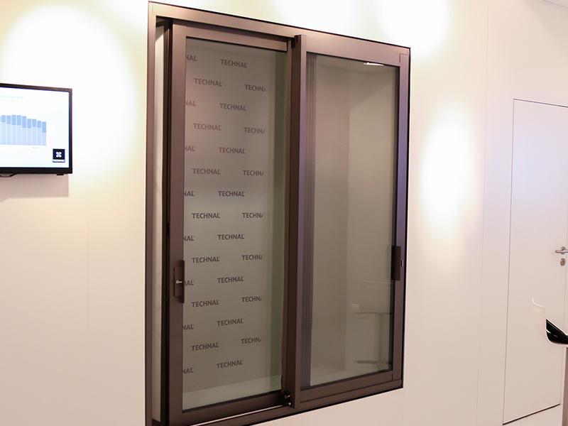 La fenêtre Anti-Bruit Active, réduit la pollution sonore même ouverte - Batiweb