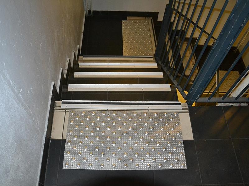 Mise en conformité des escaliers - Marchenet - Batiweb
