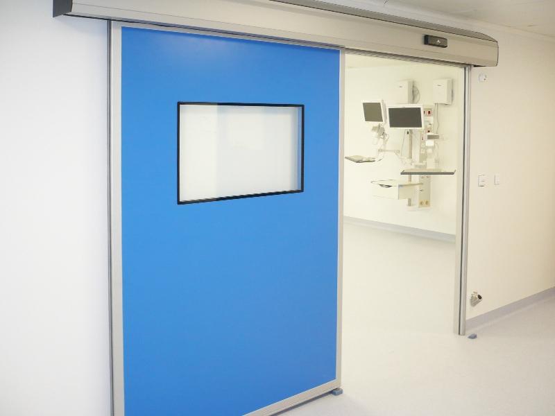 Porte étanche en milieu hospitalier