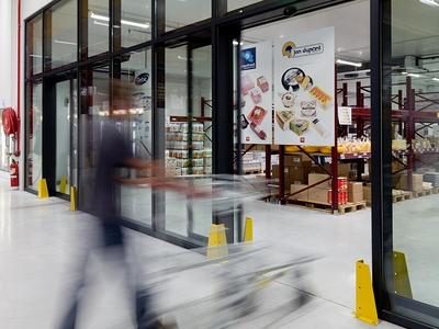 Des portes automatiques pour faciliter l'accessibilité dans votre établissement Batiweb