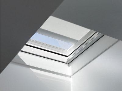 Store pare-soleil pour fenêtre de toits plats Batiweb