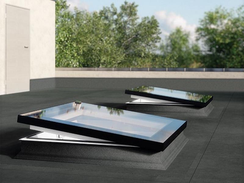Fenêtre pour toits plats type F Colourline - Batiweb