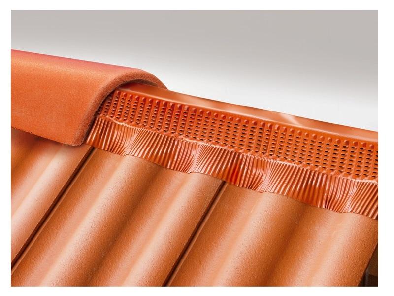 Closoir souple de faîtage/arêtier ventilé VARIO PROTECT ALU - Batiweb