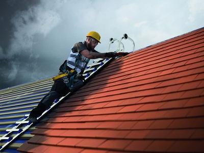 Echelle de toit EVOKLIP ; le plus haut degré de confort et de sécurité Batiweb