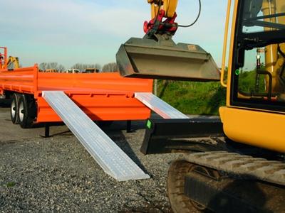 Rampes en aluminium Gamme XXL pour porte-engis Batiweb