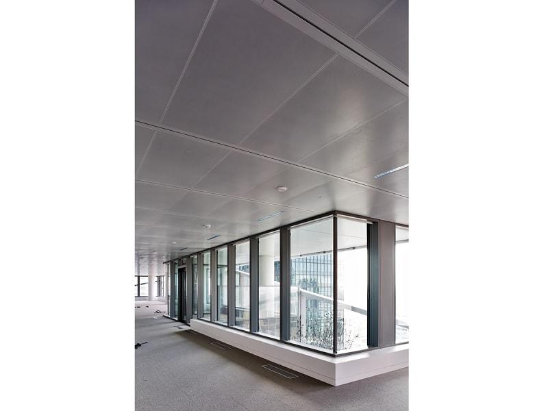 Les plafonds acoustiques, chauffants et rafraîchissants