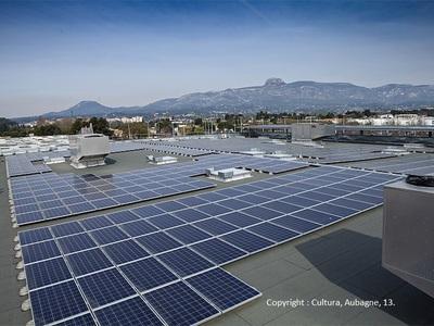 Panneaux isolants ROCKACIER C : une isolation performante des toitures-terrasses photovoltaïques Batiweb