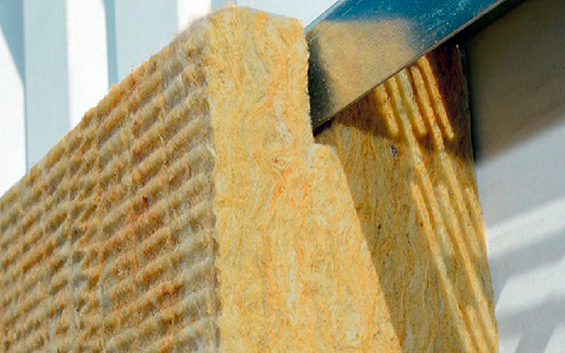 Rockbardage Réno, panneau isolant pour rénovation des bardages double peau - Batiweb