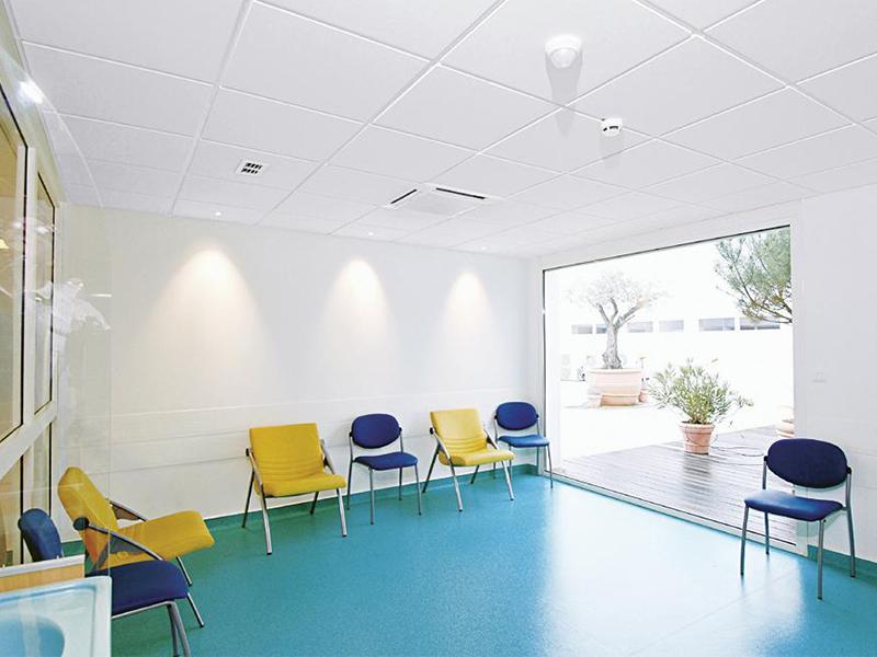 Ecophon Hygiene Clinic™ E : plafond acoustique - Batiweb