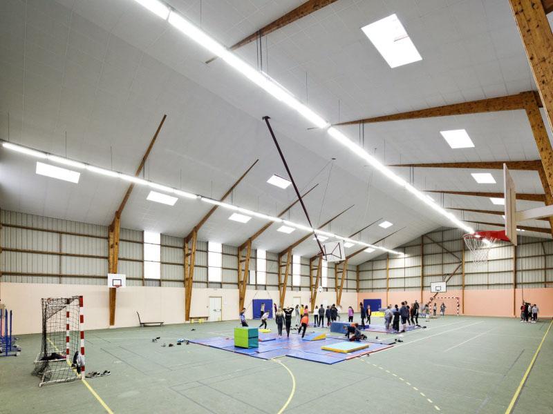 Acoustichoc®, le plafond acoustique haute résistance pour local sportif - Batiweb
