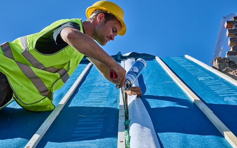 Usystem Roof OS Comfort : la solution d'isolation par l'extérieur des toitures dédiée au confort intérieur - Batiweb