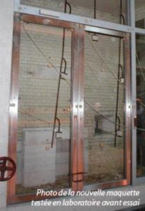 Porte vitrée EI60 sur pivots LINTEAU néo : BOULLET lance une nouvelle gamme très innovante et validée pour les accès PMR (personnes à mobilité réduite) Batiweb
