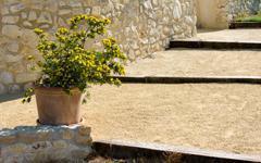 L'art du béton signé Lafarge avec sa gamme de bétons décoratifs Artevia  Batiweb