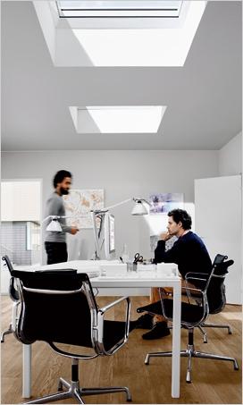 Fenêtre-coupole pour les toits plats par VELUX