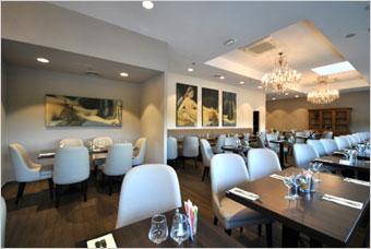 Les cadres CLIPSO contribuent à créer l'esprit cosy et chic de la Brasserie Le France de la Valette du Var (France) - Batiweb