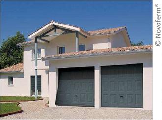 Novoferm® Habitat présente la gamme DL Porte de garage basculante au design sur-mesure Batiweb
