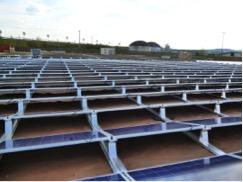 Comment surmonter les défis environnementaux : DuPont ™ Plantex® Gold recouvre 18 000 mètres carrés de sol contaminé destinés à l'implantation d'un parc photovoltaïque