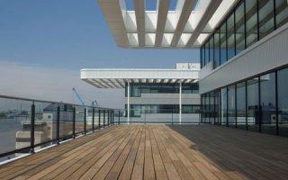 Lame Bamboo de Siplast, solution esthétique pour les terrasses avec platelage... en bambou ! Batiweb