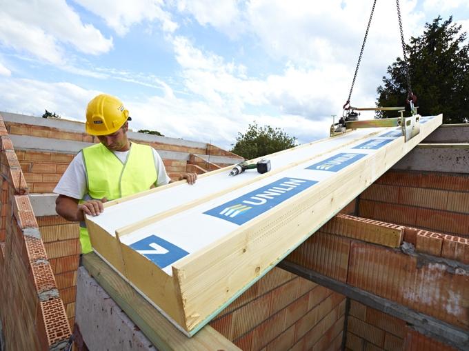 UNILIN Insulation crée Le Club un réseau national de poseurs partenaires, spécialistes de l'isolation de toiture - Batiweb