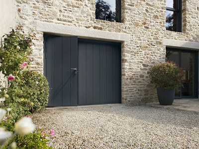 Entre praticité et esthétique, La porte de garage Novoferm® Habitat se dévoile ! Batiweb