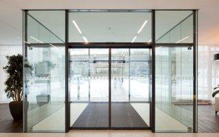 Les nouvelles serrures à crochet pour portes automatiques coulissantes