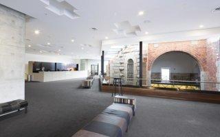L'Ulumbarra Theatre (Bendigo, Australie) mise sur un éclairage épuré et intemporel signé TRILUX