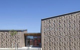 Brique terre cuite de grande longueur, réinventer une matière ancestrale