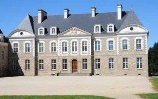 Restauration des façades du Château des Pères avec les enduits et mortiers à la chaux de PAREXLANKO