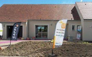 Le constructeur « Les Maisons de Loire » inaugure la première maison  à énergie positive de la région Centre Val-de-Loire,  réalisée avec le bloc béton CONFORT+ d'Alkern